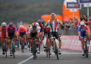 Джіро д'Італія. Вівіані позбавили перемоги на третьому етапі
