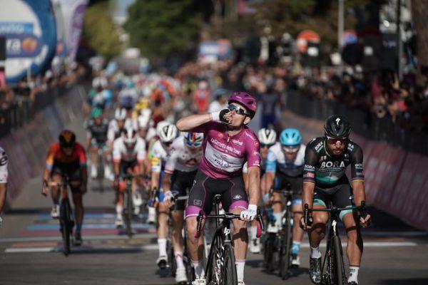 Джіро д'Італія. Чех Черни з ССС виграв 19-й етап, Келдерман втримує рожеву майку