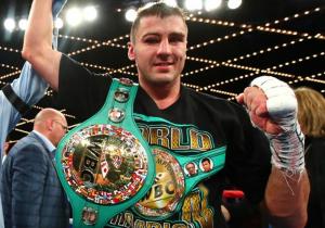 Гвоздик брутально нокаутував Стівенсона і став чемпіоном світу