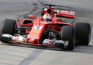 Формула-1. Феттель виграв поул у Сингапурі, Хемілтон - лише п'ятий