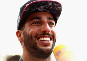 Формула-1. Ріккардо підкорив Гран-прі Азербайджану, Феттель і Хемілтон - біля подіуму