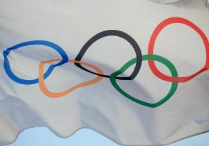 Олімпіада в Україні та Білорусі. Політика, видатки і
