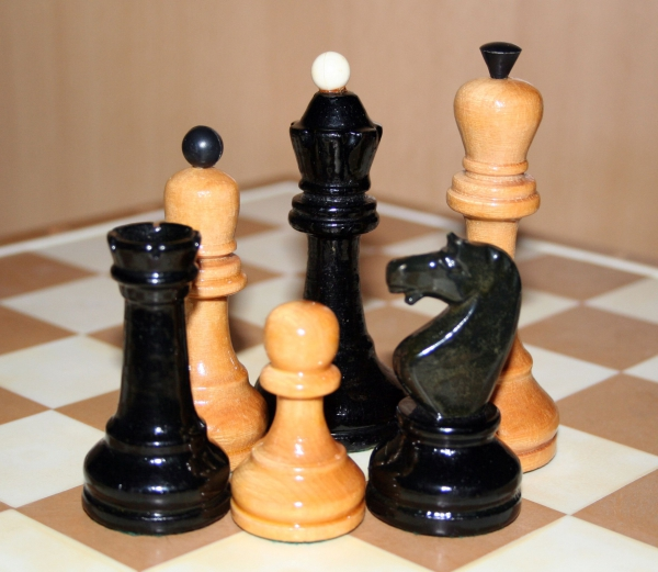 0090_chess_set_of_the_ussr.jpg