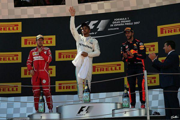 Формула-1. Хэмилтон выиграл гонку в Испании, дальше – Феттель и Риккардо