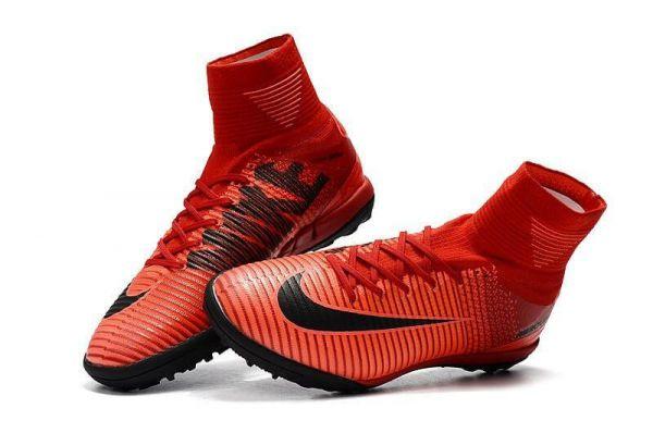 Как выбрать обувь для футбола