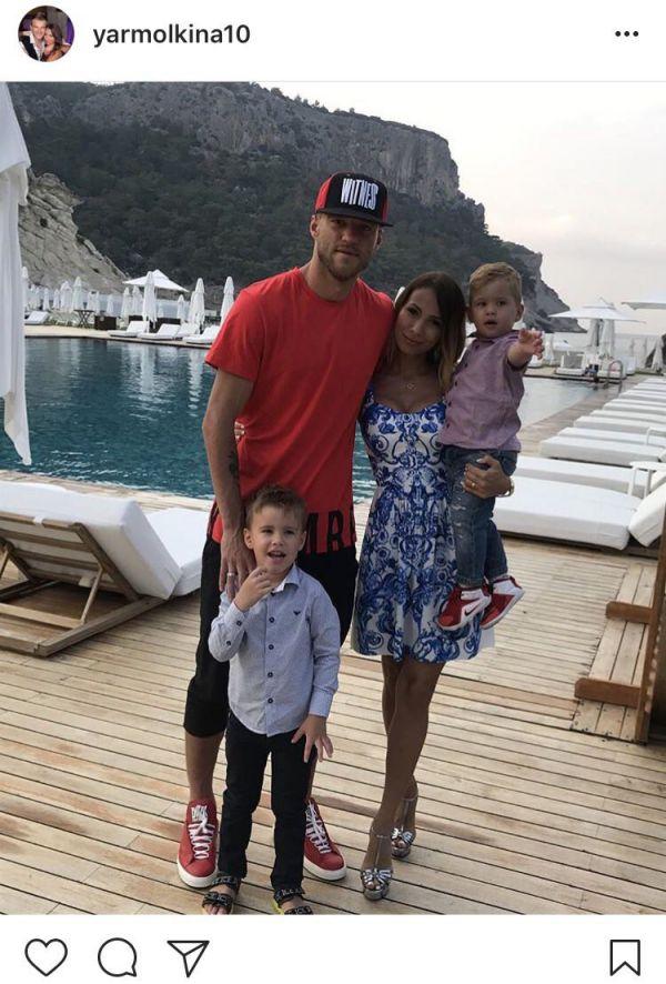 Ярмоленко показав свій відпочинок з сім'єю (ФОТО)