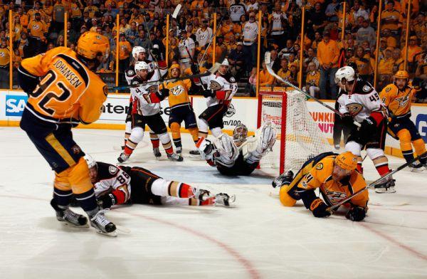 """НХЛ. """"Нешвілл"""" знову повів у серії проти """"Анахайма"""""""