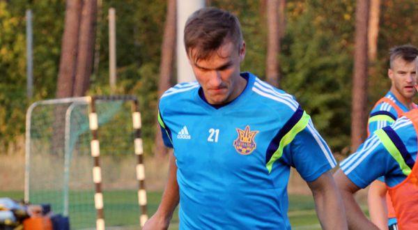 """""""Динамо"""" відпускає 5 футболістів, """"Шахтар"""" віддає українця в """"Бешикташ"""""""