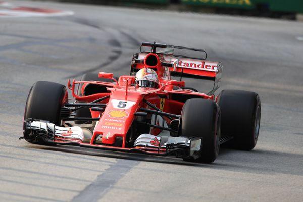 Формула-1. Феттель выиграл поул в Сингапуре, Хэмилтон – лишь пятый