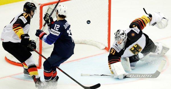 ЧМ-2018 по хоккею. Сборная США бьет Германию, Франция уступила Швеции