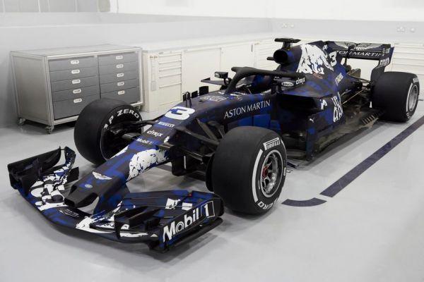 """Формула-1. """"Ред Булл"""" показал машину на новый сезон (ВИДЕО)"""