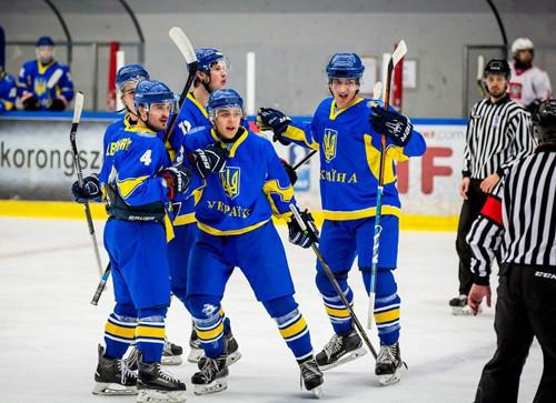 ЧМ по хоккею (U-20). Украина начала с победы и двух поражений