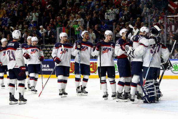 ЧС-2017 з хокею. Швейцарія обіграла Канаду, Росія познущалась над Словаччиною