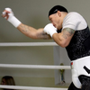Усик показав як повалить на ринг Вентера (ФОТО)