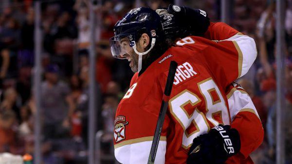 """НХЛ. 750-та шайба Ягра, перемоги """"Бостона"""" і """"Піттсбурга"""""""