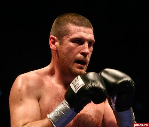 Псковский боксер Валерий Брудов активно тренируется в США : …