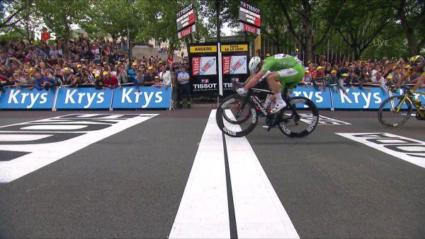 Тур де Франс. 3 етап. Кавендіш вириває перемогу в Грайпеля