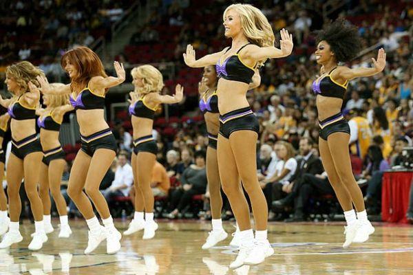 los-angeles-lakers-dancers-laker-girls-153847119_10.jpg
