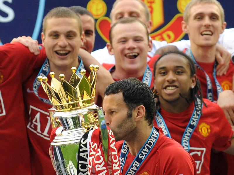 ryan-giggs-celebrates-premier-league-title-20-2569147.jpg