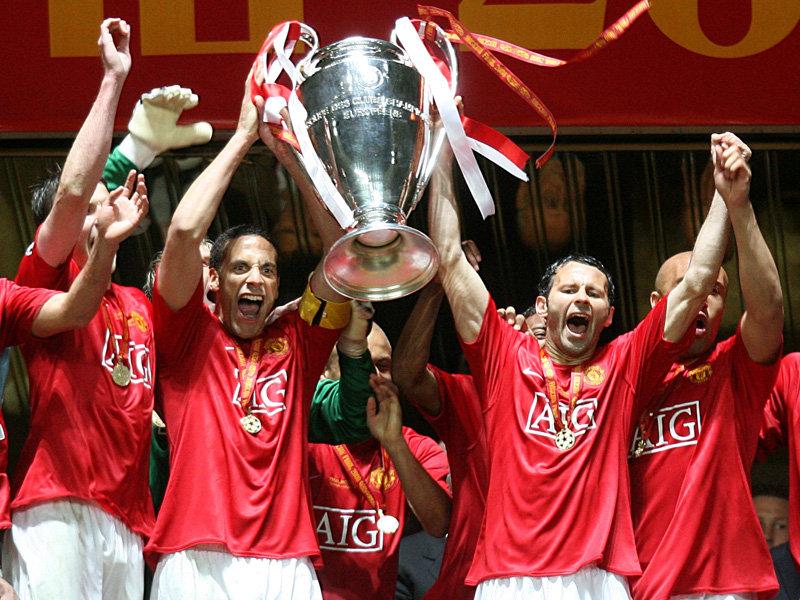 ryan-giggs-champions-league-trophy-2008-2569153.jpg