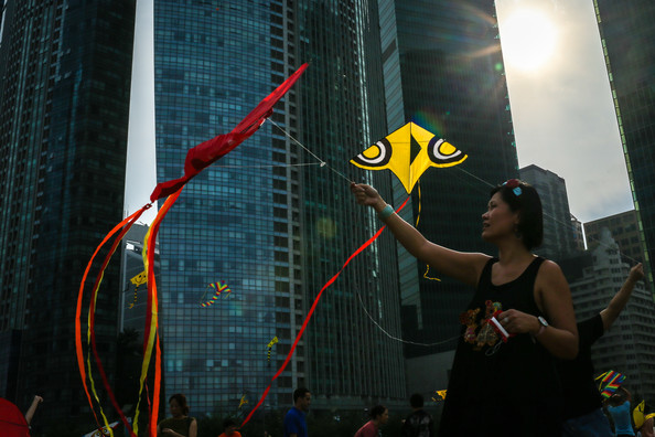 singaporekitefestivalunderwaytivohtkfpuel.jpg