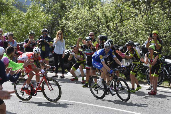 Джиро д'италия. Шахман победил на 18 этапе, Йейтс позволил приблизиться конкурентам